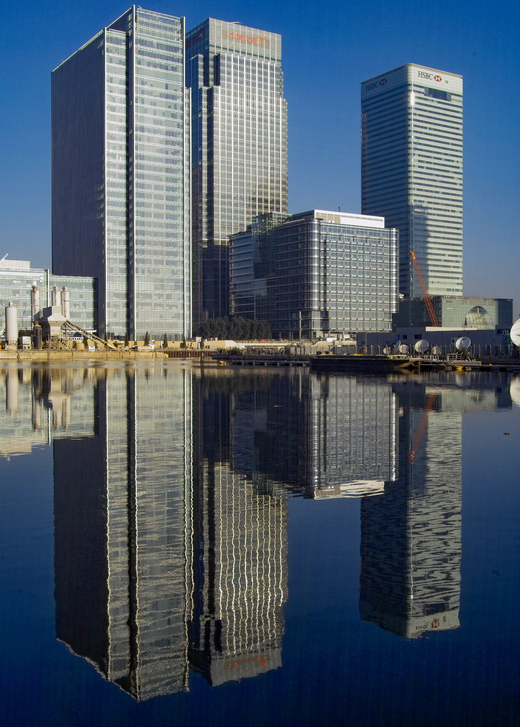 Canary Wharf skyscrapers in 2003