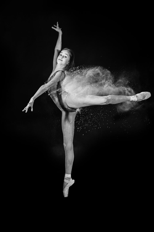 andrei-mihai-cristian-ballerina-on-dance-flour_0014