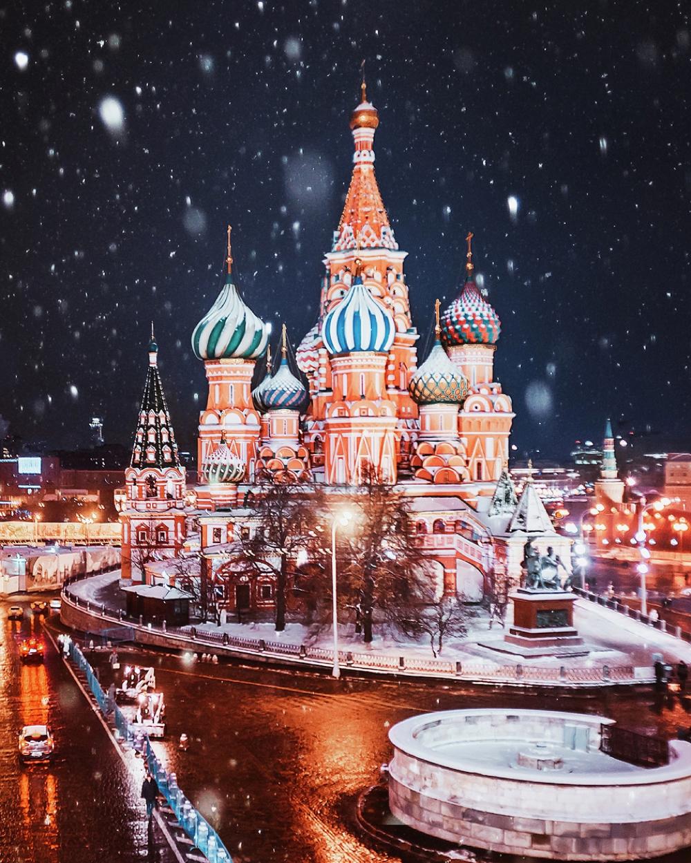 kristina-makeeva-moscow-fairytale-winter_0001