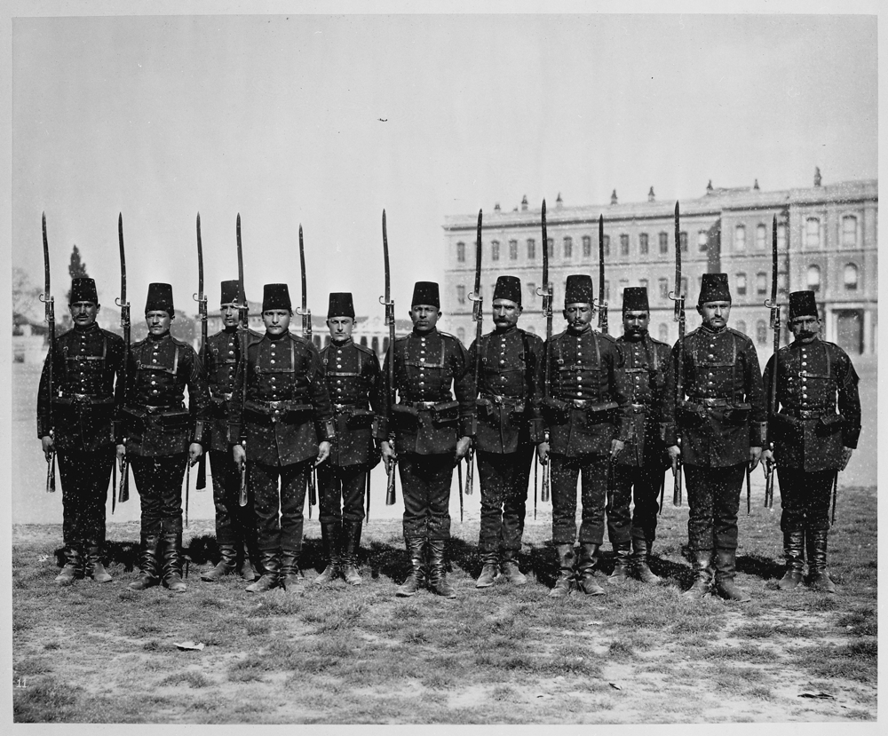 [A platoon from the First Battalion of the First Infantry Regiment of the Imperial Guard] / Abdullah Frères, Phot., Constantinople