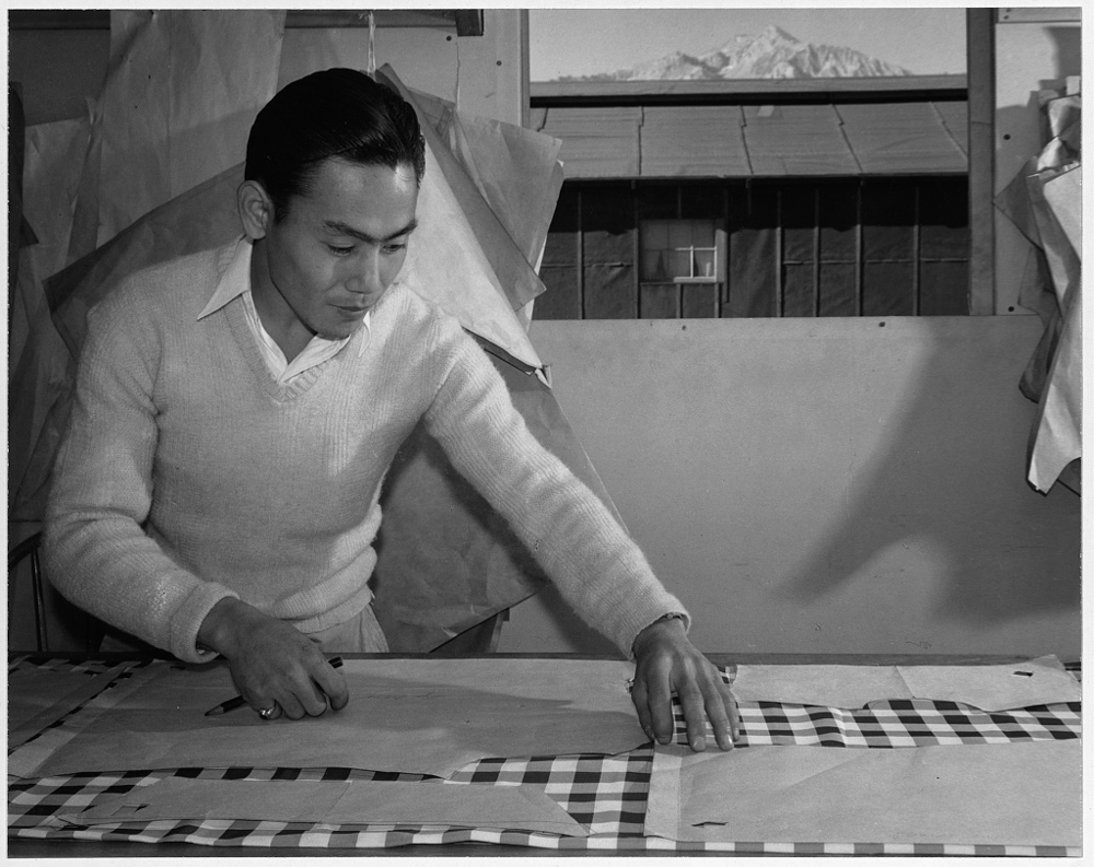 Bert K. Miura, pattern making, Manzanar Relocation Center, California