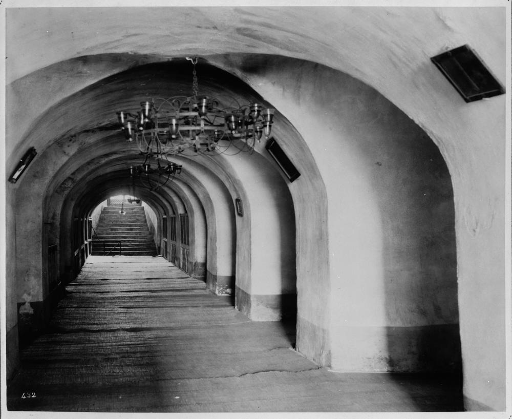 [Interior view of the Yeraltı Camii (mosque)] / Abdullah Frères, Phot., Constantinople