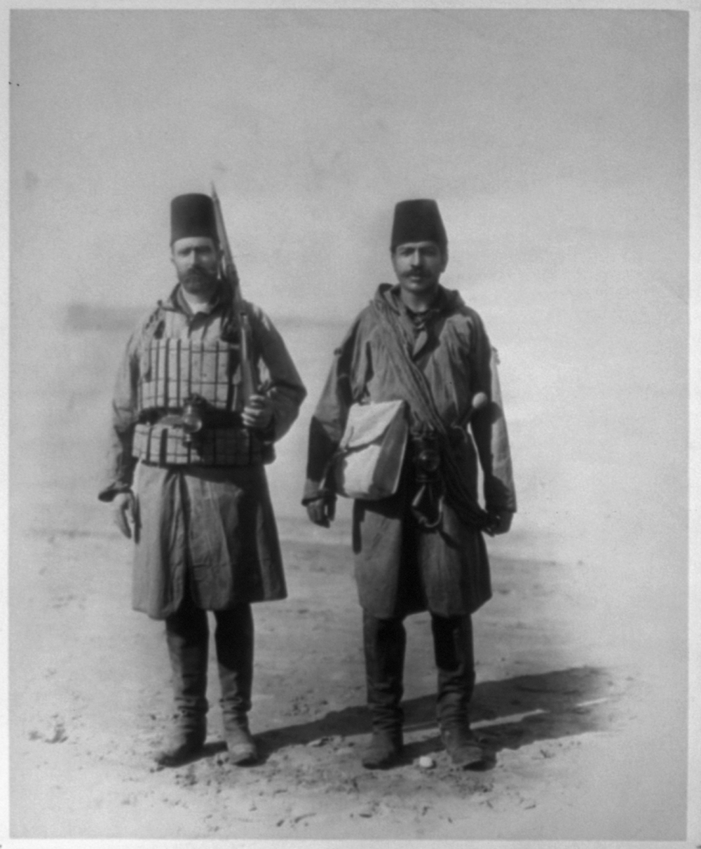 [The night guards of the lifesaving station during stormy times] / Constantinople, Abdullah Frères
