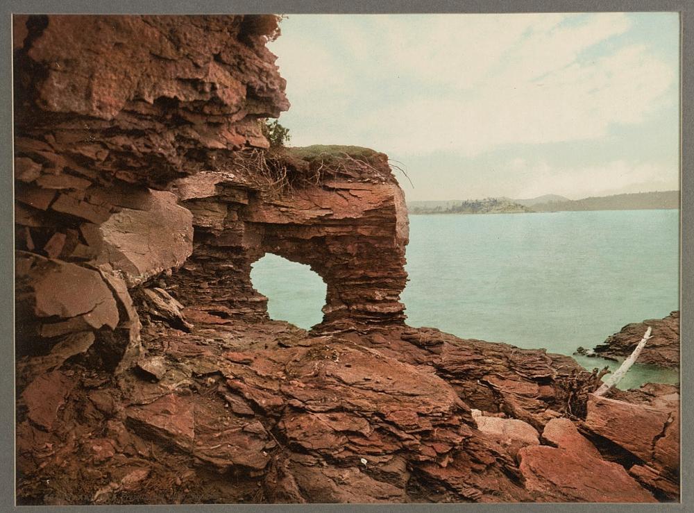 Arch Rock, Presque Isle [Park], Lake Superior