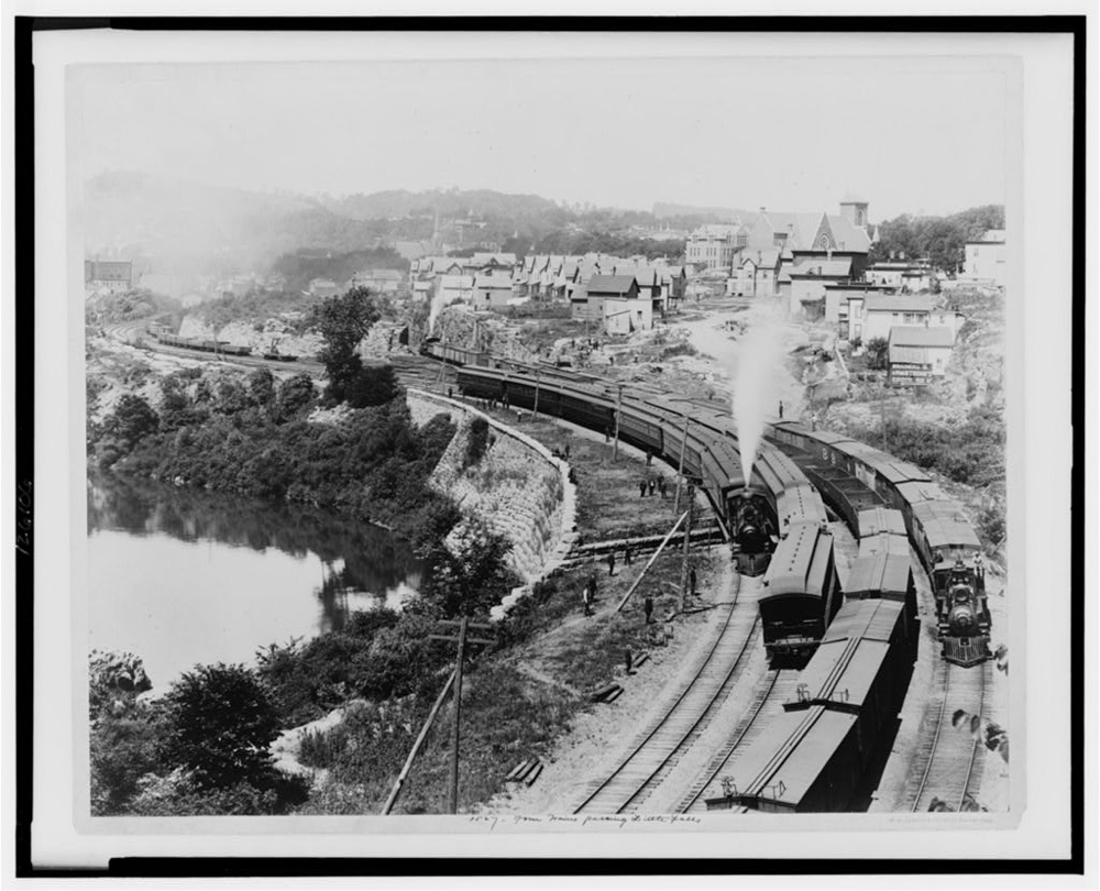 Four trains passing Little Falls