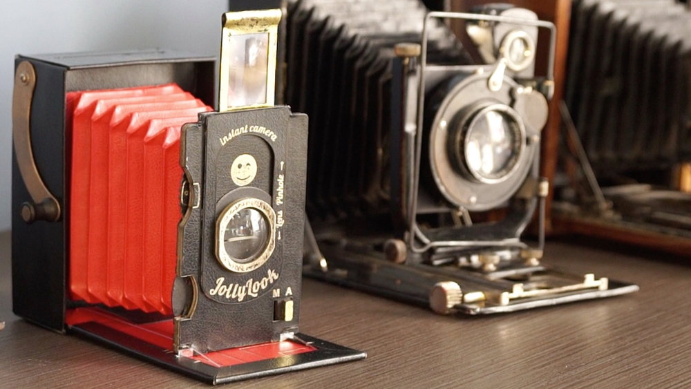 The Foldable Cardboard Instant Camera
