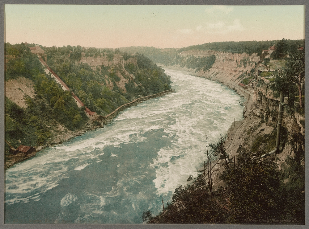 Niagara, Whirlpool Rapids, looking down