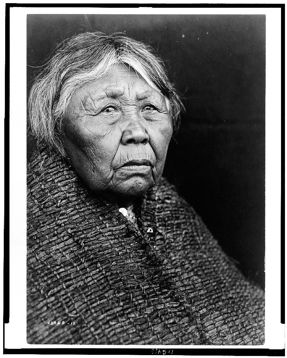 [Hleastunuh--Skokomish, Indian women, head-and-shoulders portrait, facing right]