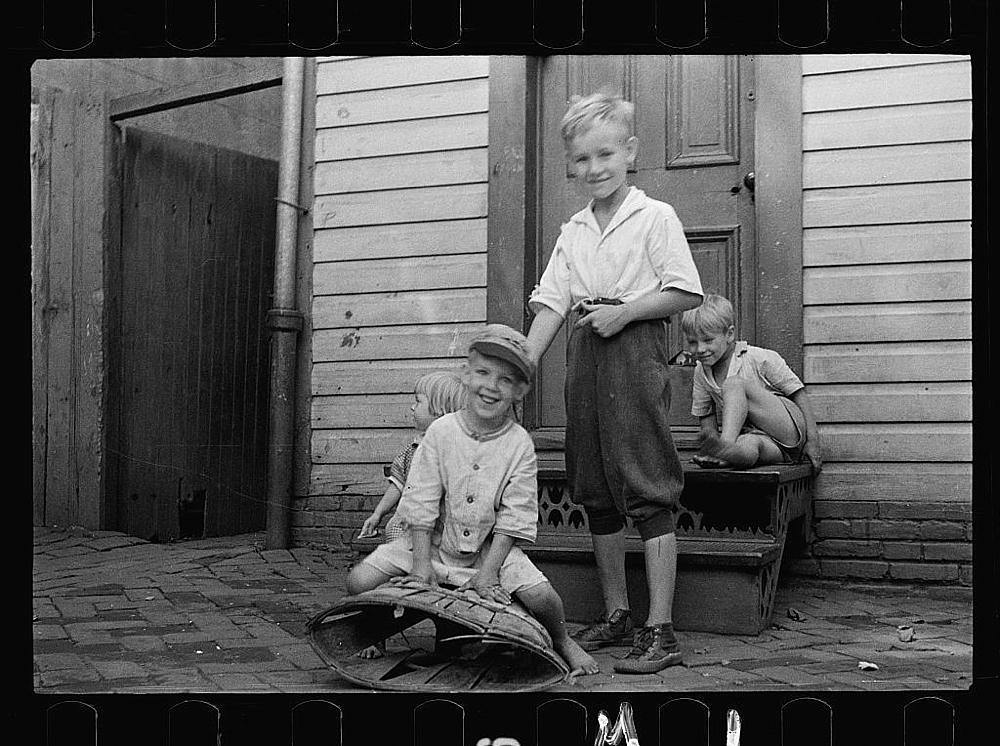 Poor children playing on sidewalk, Georgetown, Washington, D.C