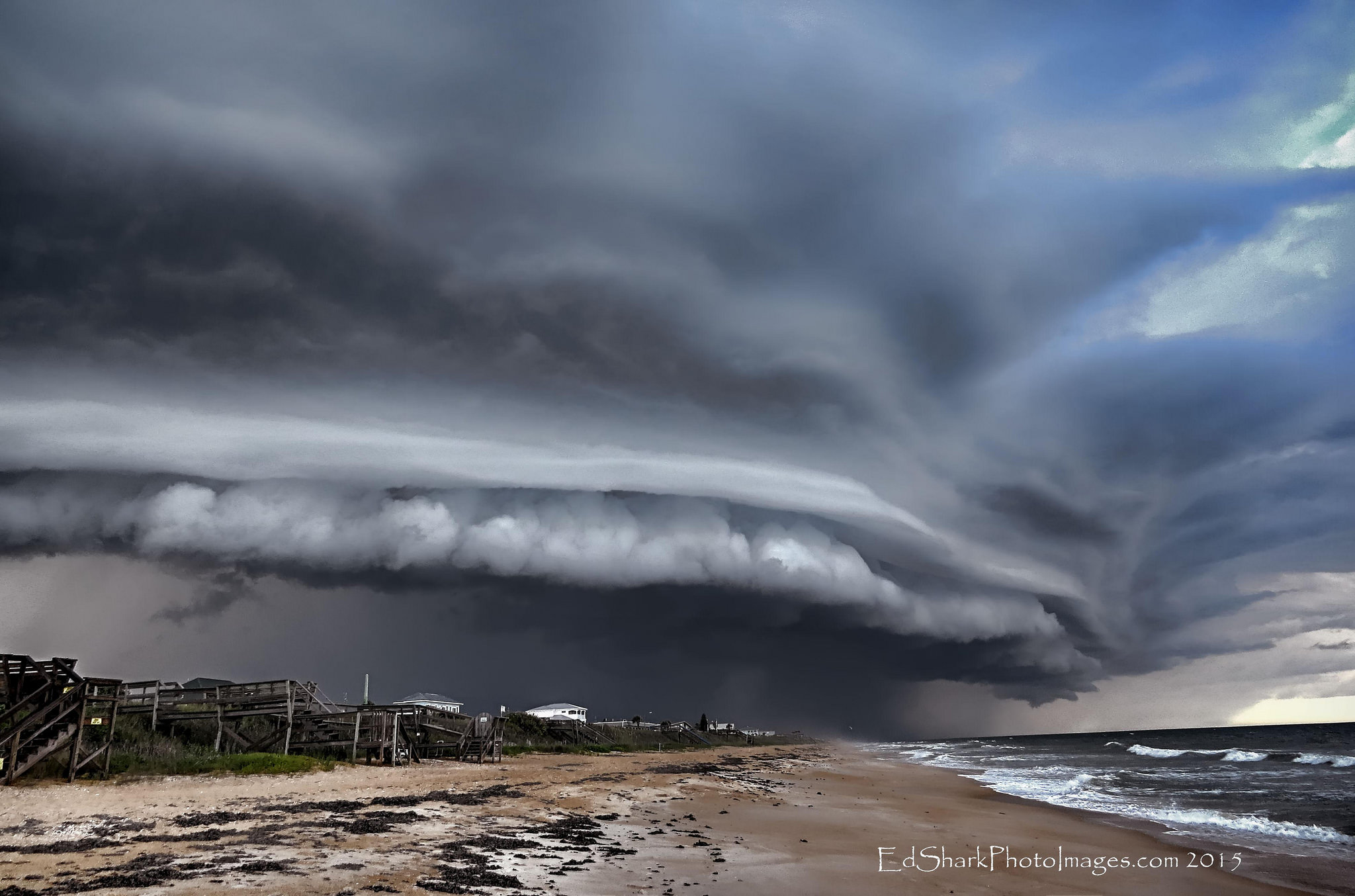 The Mother Ship over Flagler Beach, Florida - The Scud Buster Diaries Flagler County Storm Chasers [OC][3941x2605]