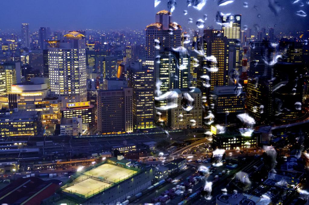 Cityscape demonstrating Lineaar Light Blend mode in Photoshop