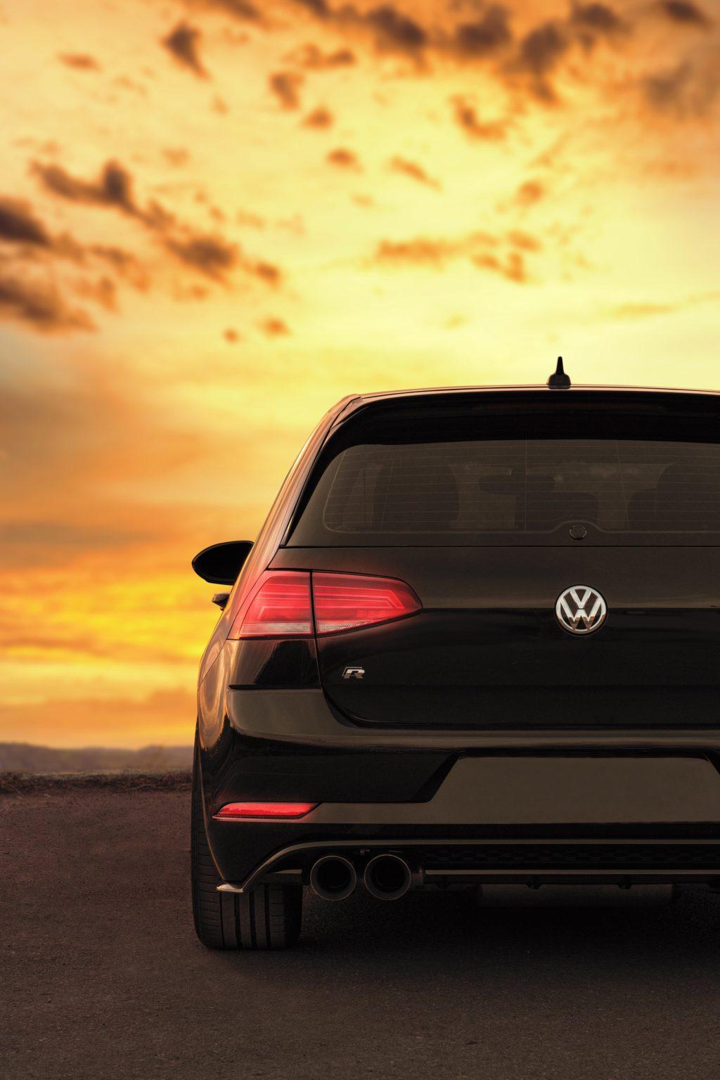 automotive photography golden hour lighting