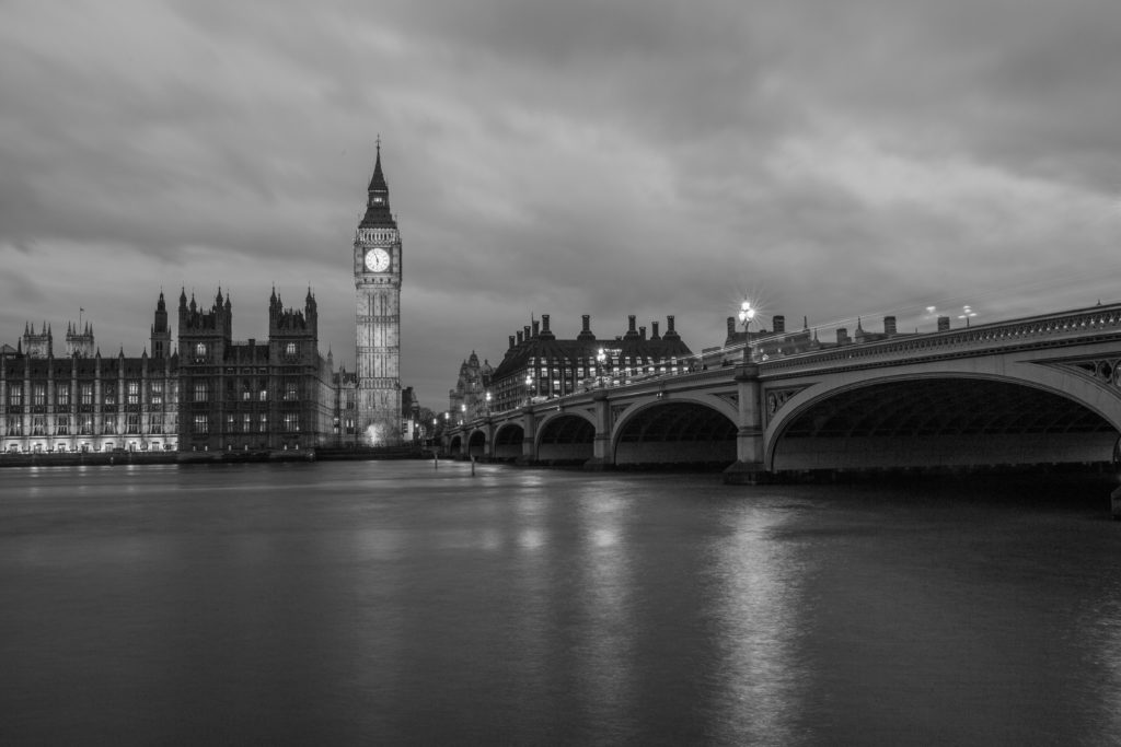 River with bridge and big ben in black and white