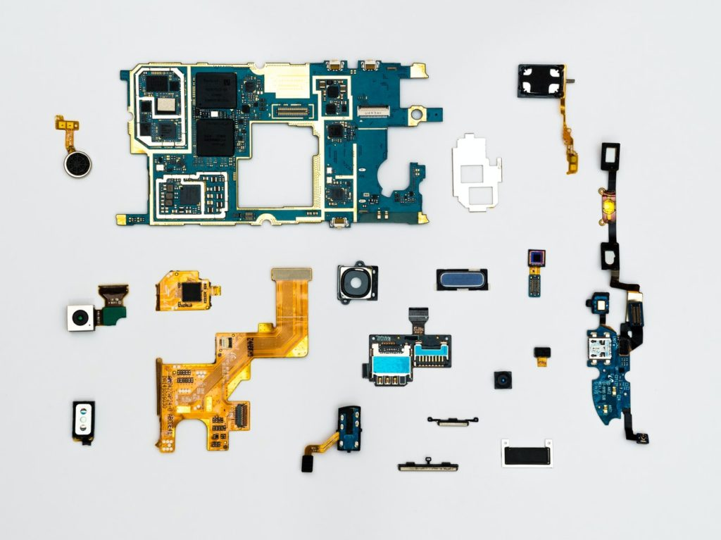 blue and yellow phone modules
