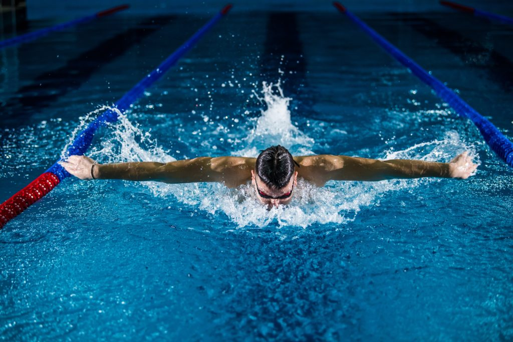 Sports photography indoor swimming telephoto lens