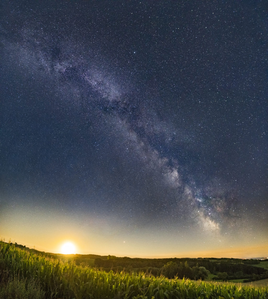 the milky way and setting sun with astrophotography for beginners