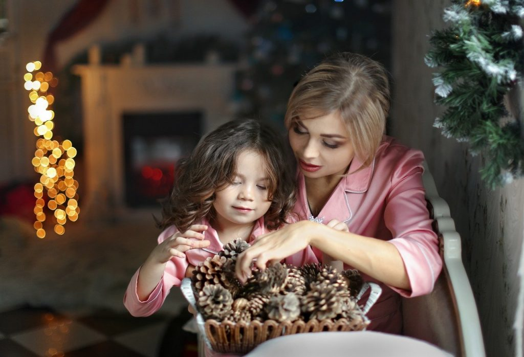 How To Photograph Your Christmas Story