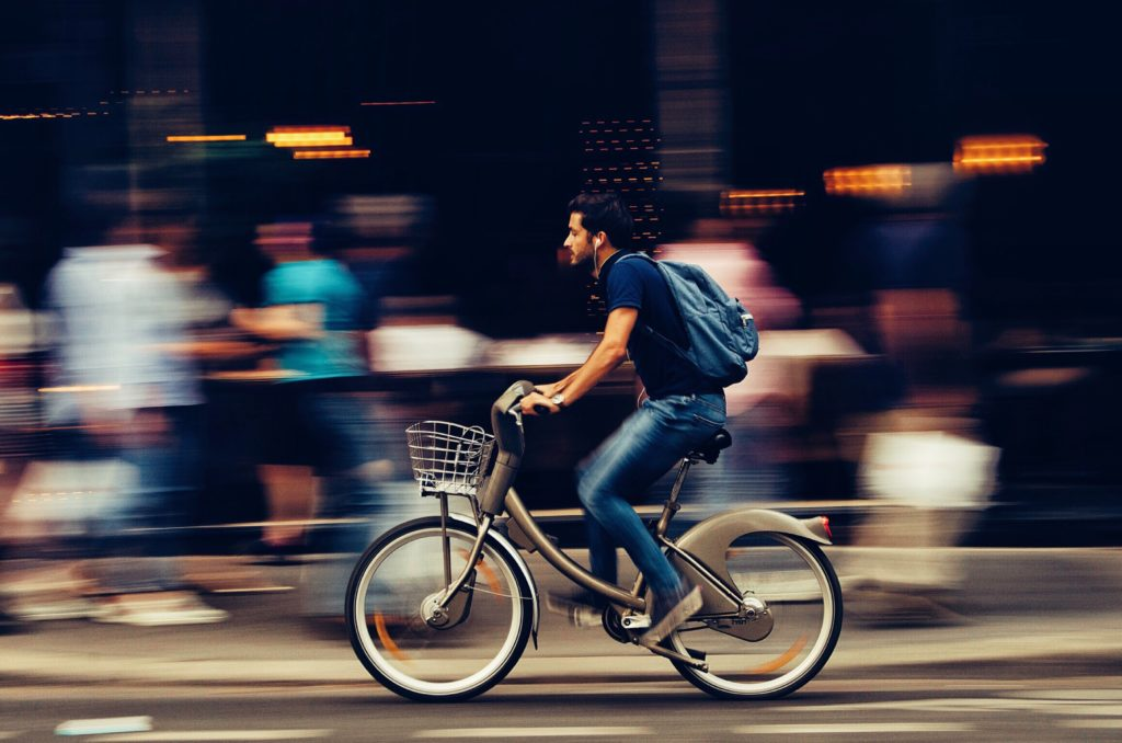 How to Capture Outstanding Motion Photos with Panning | Light Stalking