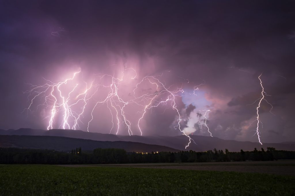 sharp lightning photography