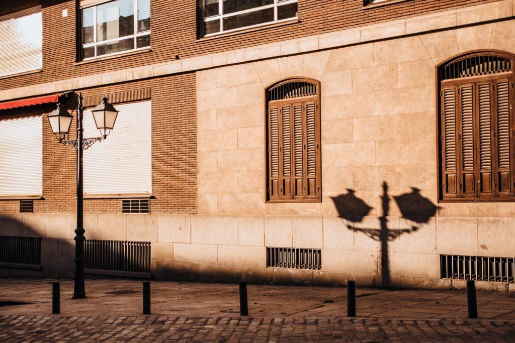 85mm lens street