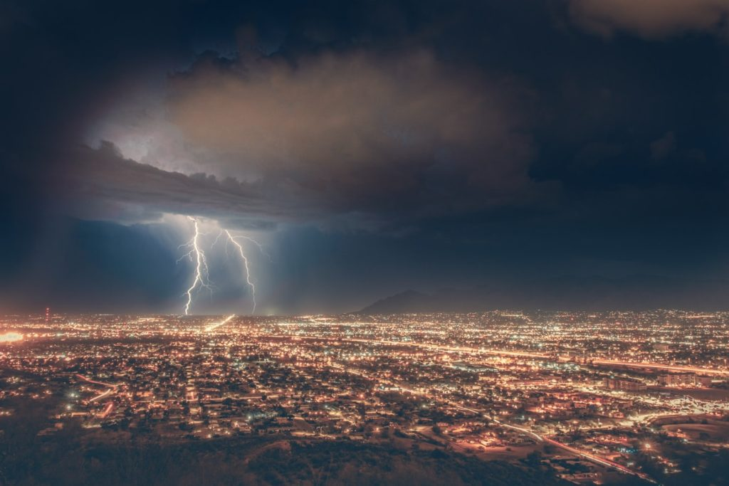 how to shoot lightning in the city