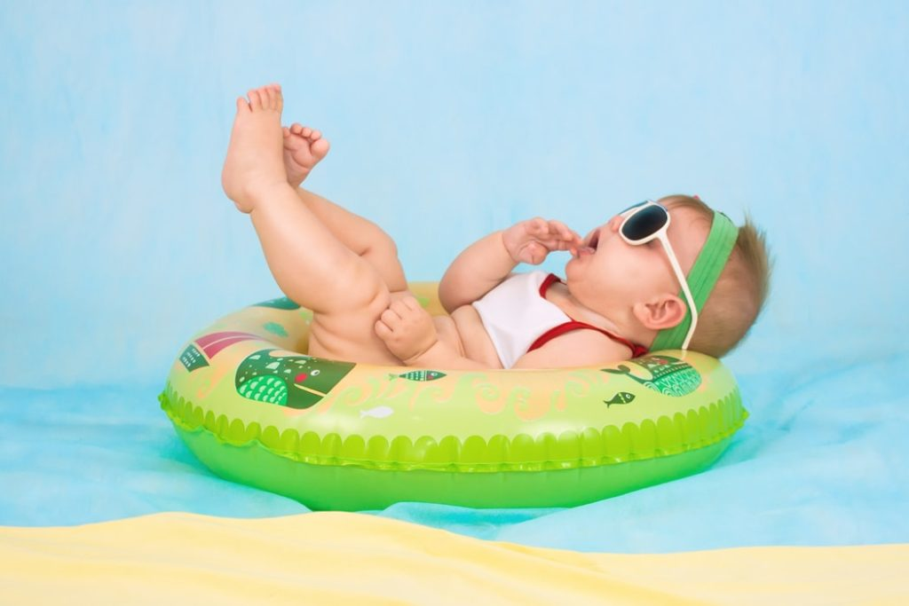 newborn playful photo shoot