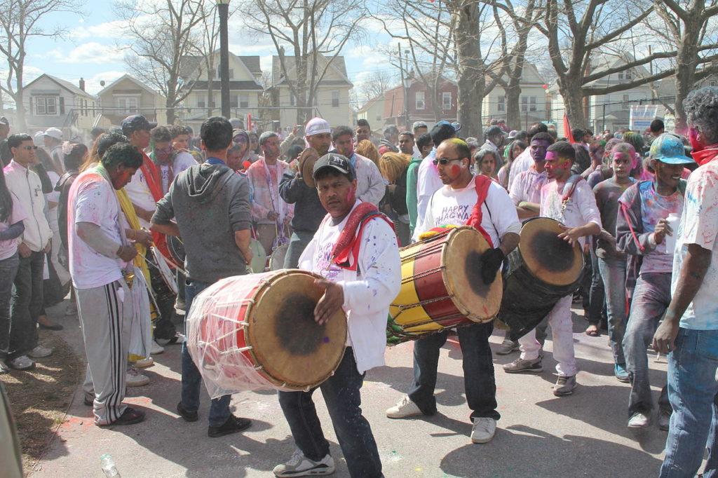 richmond hill holi drummers