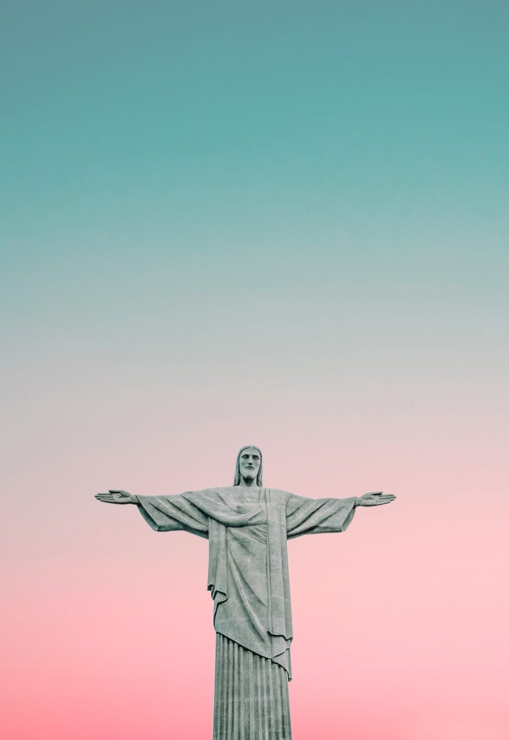 try minimal compositions to bring emphasis to the statue or sculpture
