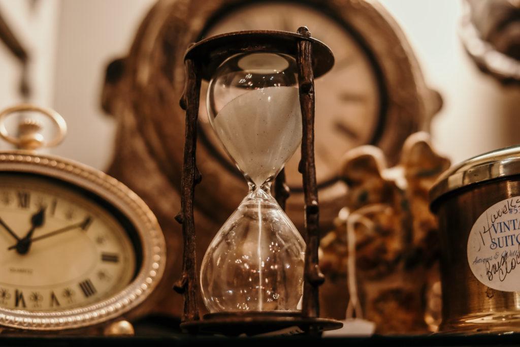 hour glass plus clocks